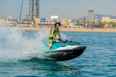 Promoción Moto acuática con licencia + gasolina incluida