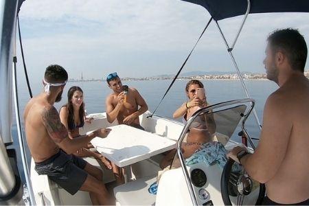 Alquiler de Barcos con amigos Barcelona