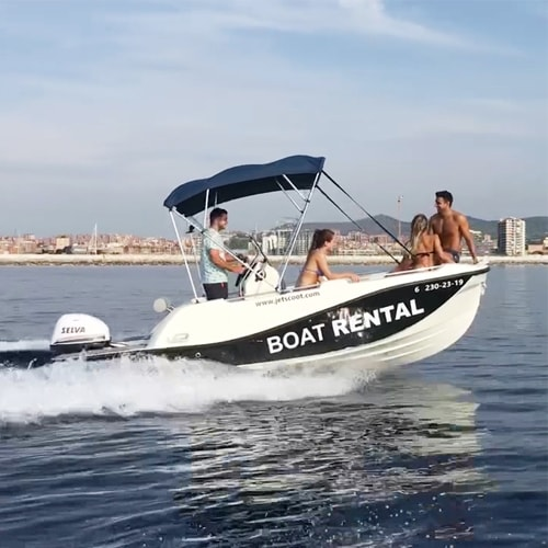 Drive a boat without license in Barcelona