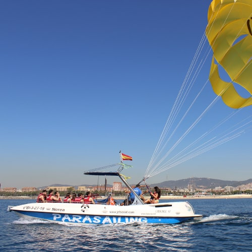 Parasailing Barcelona Sunrise people