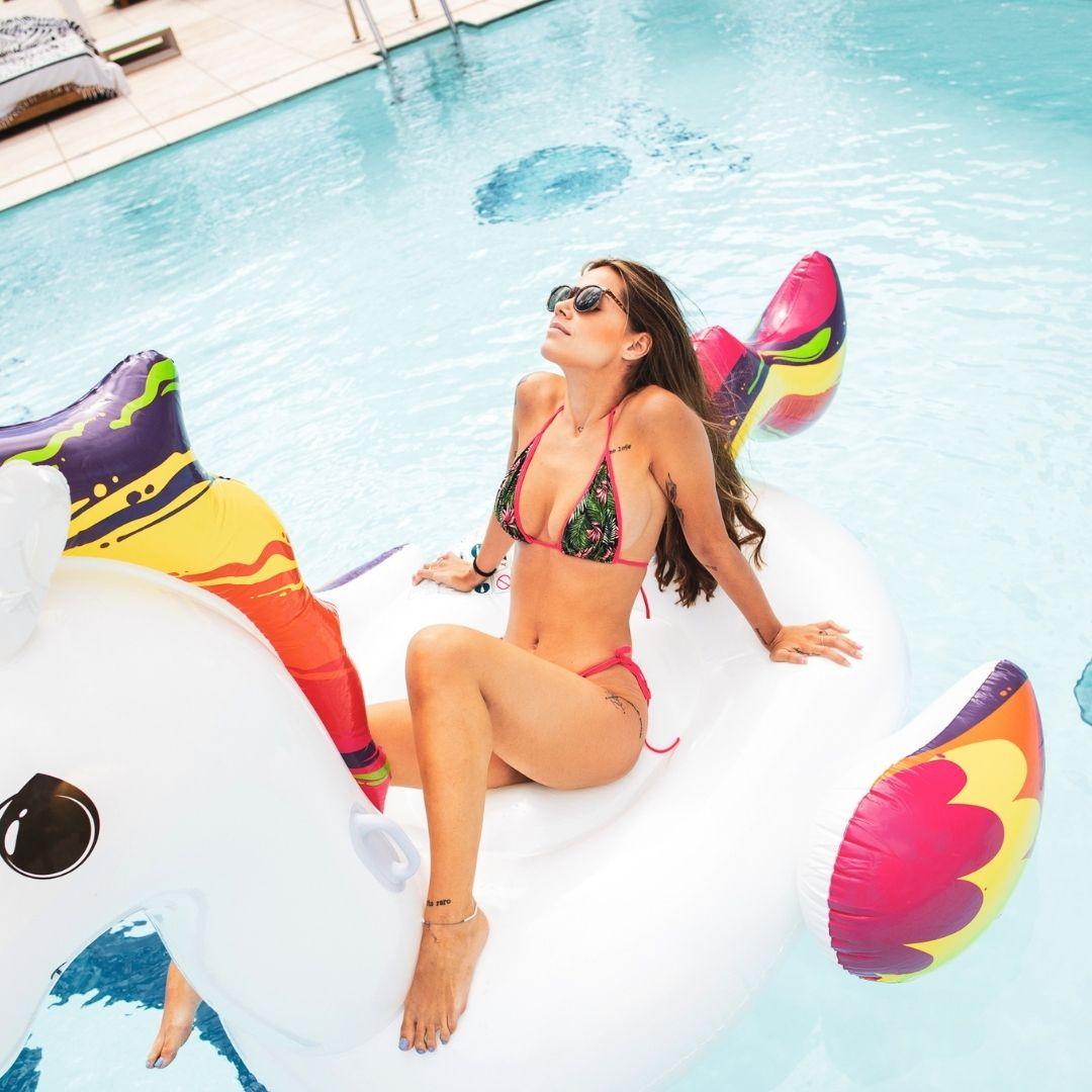 Acceso piscina VIP en el GO Beach club